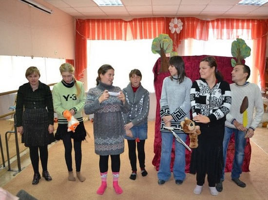 Как волонтёры Алчевской духовной лечебницы учат детей принимать действительность