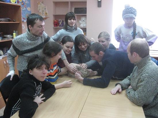Лала и Шустрик в гостях у особых Алчевцев
